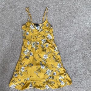 Pacsun - Kendall and Kylie Yellow Floral D…